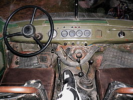 UAZ-early-interior-floor-pedals.jpg